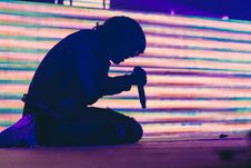 Free Singer On His Knees Stock Images - 93797944