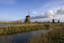 Free Windmill Of Kinderdijk Stock Photos - 9381913