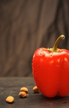 Free Red Paprika Stock Photography - 9387402