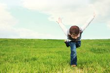 Free Kid Running On Grass Stock Images - 93866744