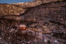 Free House On Mountain Against Sky Royalty Free Stock Image - 93866766