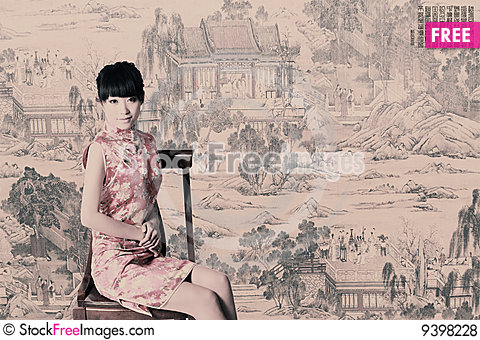 Free Chinese Girl In Traditional Dress Royalty Free Stock Photos - 9398228