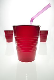 Free Red Plastic Cup W Straw Royalty Free Stock Image - 9394106
