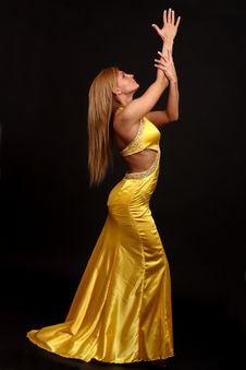 Free Fitness Woman In Evening-dress Royalty Free Stock Photos - 9399798