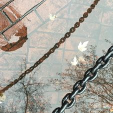 Free Chains Water Reflection Royalty Free Stock Photos - 93946728