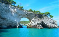 Free Rock Formation In A Bay  Stock Photos - 93948773