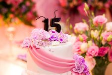 Free White Fondant Cake With 15 Candles On Top Stock Image - 93948791