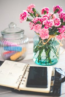 Free Journal And Mobile Phone Royalty Free Stock Image - 93949226