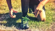Free Man Wearing Athletic Shoes In Grassy Field Royalty Free Stock Photo - 93999535