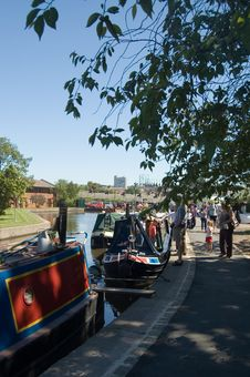 Free Canal Boats In The Shade Royalty Free Stock Photography - 947577