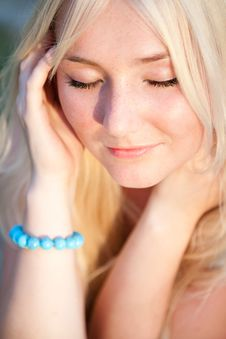 Free Lovely Beautiful Blonde Woman Royalty Free Stock Photos - 9403208