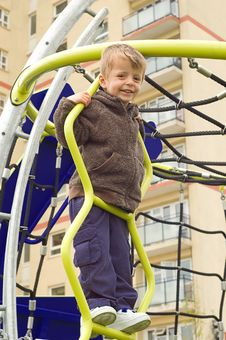 Free Toddler On Climbing Frame Stock Photography - 9406042