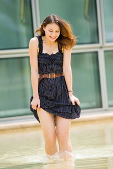 Young Pretty Caucasian Lady Outdoors Royalty Free Stock Photos