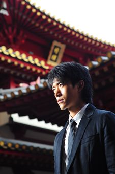 Free Asian Man In Temple Royalty Free Stock Images - 9409009