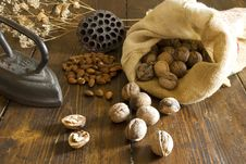 Free Walnuts Stock Photos - 9409893
