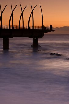 Free Sunrise Pier Royalty Free Stock Images - 9411649