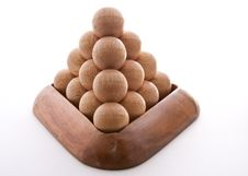 Free Wooden Balls Triangle Royalty Free Stock Photos - 9411738