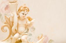 Free Cherub With Book Royalty Free Stock Images - 9412829