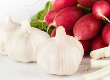 Free Spring Onions, Garlic, Lettuce And Radish Royalty Free Stock Photos - 9413788