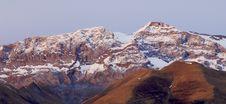 Free Snow Peak Royalty Free Stock Photos - 9413988