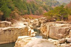 Free Ravine With Huge Rocks Royalty Free Stock Photography - 9415767