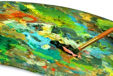 Free Paintbrush With Oil Paint On A Classical Palette Stock Photography - 9416592