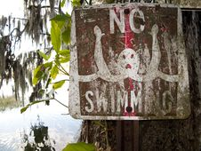 Free Old No Swimming Sign Royalty Free Stock Photo - 9417995