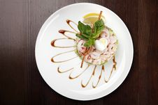 Free Plate With Shrimp Salad Royalty Free Stock Image - 9421516