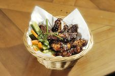 Free Grilled Chicken Wings Stock Images - 9424784