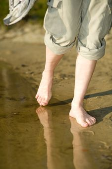 Free Barefoot Legs On Beach Sand Stock Photo - 9426200