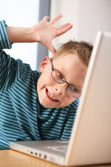 Free Computer Kid. Nervous. Stock Images - 9428144