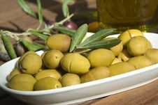 Free Green Olive Royalty Free Stock Photos - 9428818