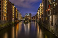 Free Reflection, Waterway, Body Of Water, Cityscape Stock Images - 94247834