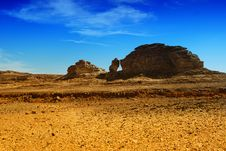 Free Big Rock In The Desert Royalty Free Stock Photos - 9430528