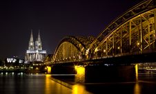 Free Dom And Hohenzollern Bridge In Cologne Stock Images - 9433934