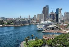 Free Skyscrapers Of Sydney Harbour Stock Photo - 94313870