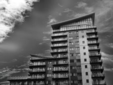 Free High Rise Building In Black And White Royalty Free Stock Images - 94484369