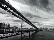 Free Steel Bridge From Low Angle Stock Image - 94484431