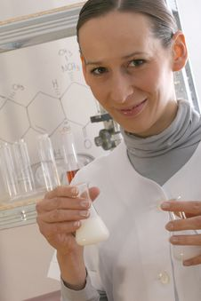 Free Chemist Working Royalty Free Stock Images - 9451479