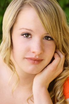 Free Close-up Of Pretty Teenage Girl Royalty Free Stock Image - 9452216