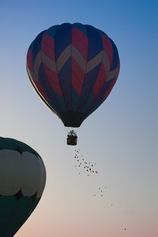 Free Hot Air Balloon Toss Stock Image - 9452571