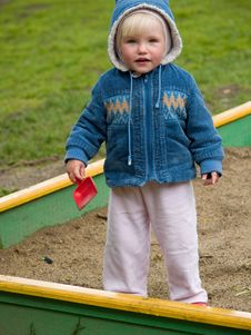 Free Little Child With Shovel Royalty Free Stock Image - 9457576