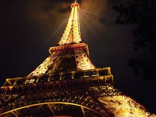 Free Eiffel Tower At Night Royalty Free Stock Photo - 94581135
