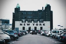 Free New York Hotel In Rotterdam Royalty Free Stock Photography - 94581147