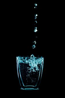 Free Water Drops Royalty Free Stock Photos - 9461348