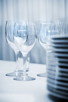 Free Glass Goblets And Plates Royalty Free Stock Image - 9465516