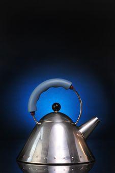 Free Modern Silver Tea Kettle Royalty Free Stock Photos - 9467918