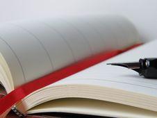 Free Open Book With Fountain Pen Stock Photos - 94642443