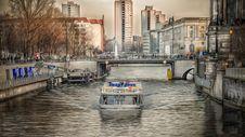 Free Cruising On Spree In Berlin Stock Photos - 94642503