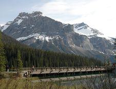 Free North American Mountainsand Lake Stock Image - 9472231